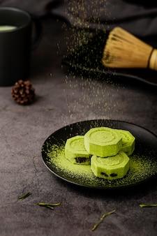 抹茶茶powderと竹の泡立て器