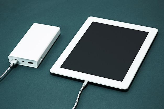Power bank и ноутбук