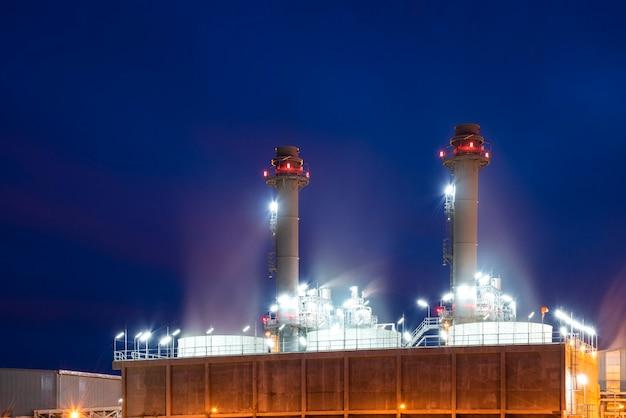 発電所は、電力を生成するための産業施設です。プラントには、機械力を電力に変換するための1つ以上の発電機が含まれています。