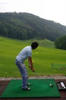 Practicing golf, activity