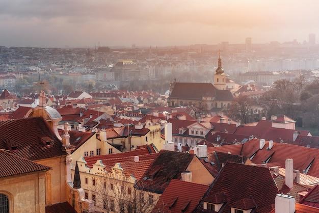 プラハの街並み、チェコ共和国。晴れた青空