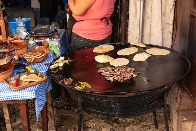 멕시코 전통 음식 준비 멕시코 전통 길거리 음식 타코 준비