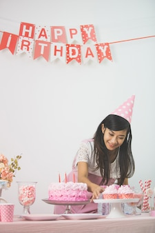 Подготовка стола к дню рождения
