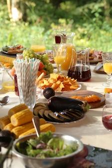 ピクニック用の食事の準備