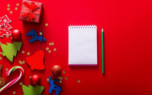 Подарочные коробки ручной работы елочная игрушка и блокнот с ручкой