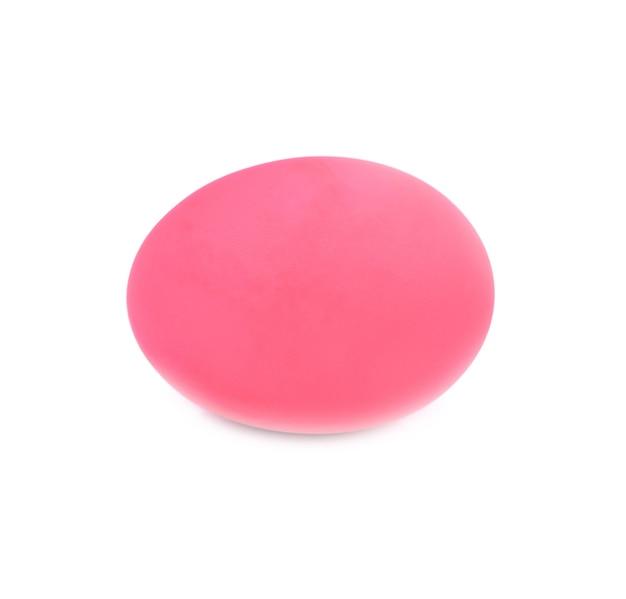 Консервированное яйцо, изолированное на белом