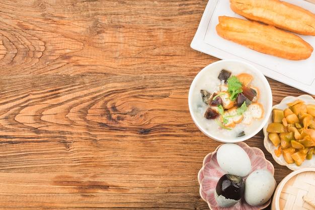 보존 달걀 살코기 죽 아침 식사