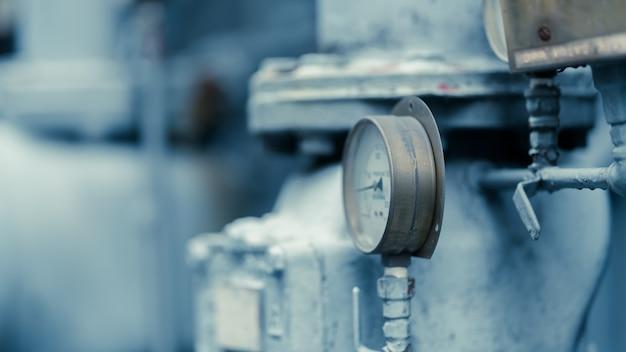 Pressure gauge measuring equipment
