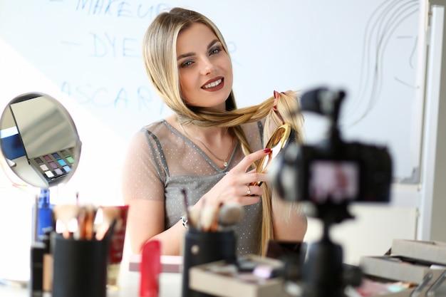Довольно blogger streaming beauty видеоконтент