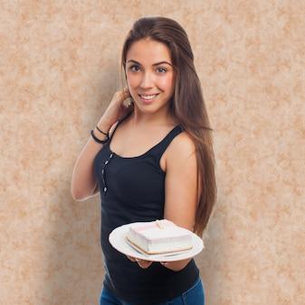 デザートを提供していプリティモデル