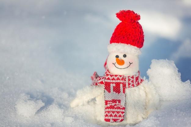 雪の日付の背景にかわいい雪だるま