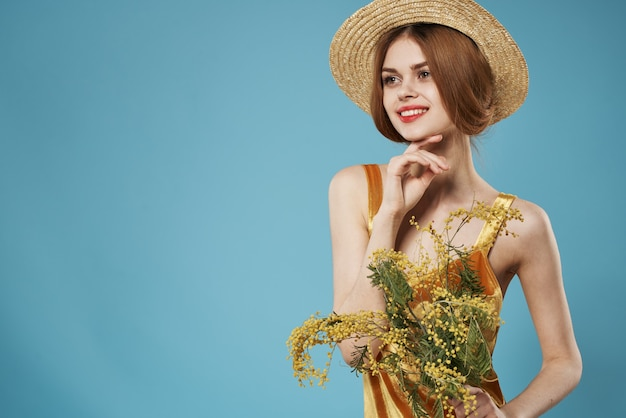 花のきれいな女性の花束さまざまなライフスタイルの女性の日の楽しみ
