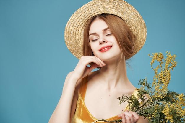 きれいな女性の花が魅力的なロマンスに湧きます