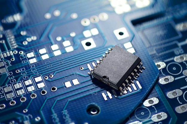 Printed circuit board and chip