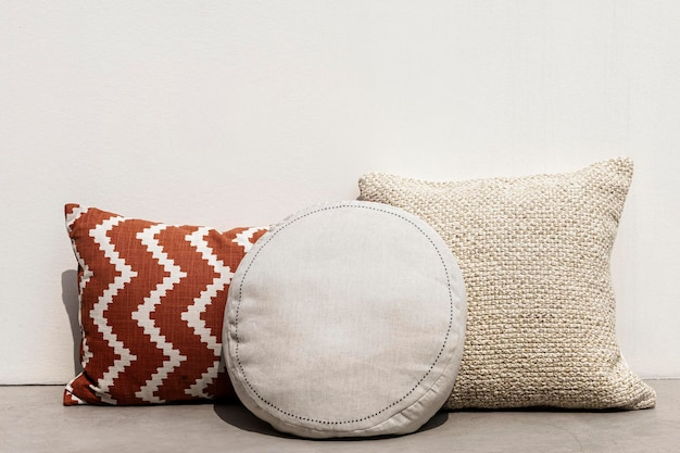 Подушки с рисунком средиземноморский дизайн интерьера