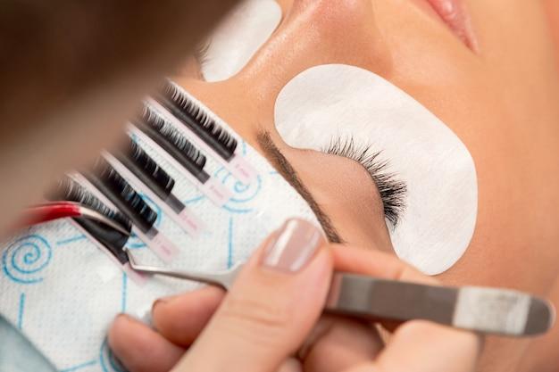 Procedure of eyelashes extension