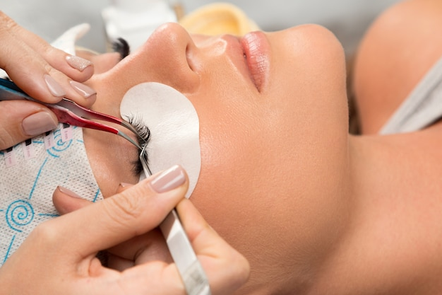 Procedure of eyelashes extension