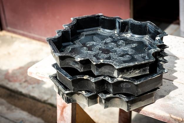 Изготовление бетонной тротуарной плитки в домашних условиях. формы для тротуарной плитки.