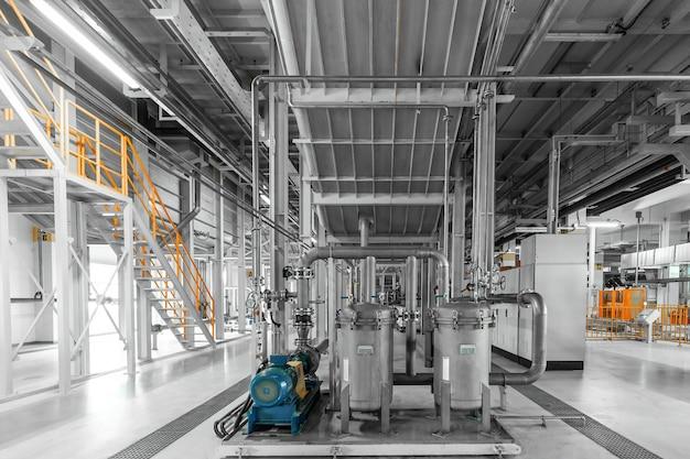 Производственный цех в современном заводском чистом помещении