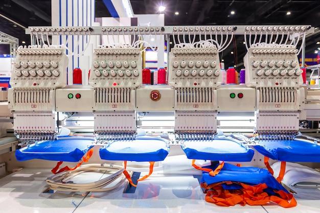 Профессиональная и промышленная вышивальная машина