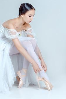 彼女のバレエシューズを履いてプロのバレリーナ