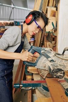 Профессиональный плотник