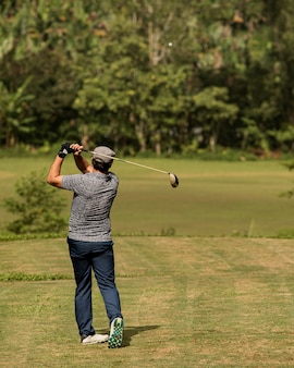 Giocatore di golf professionista. bali. indonesia.