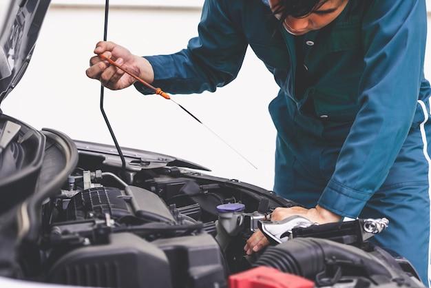 Профессиональный слесарь по ремонту и техническому обслуживанию автомобилей
