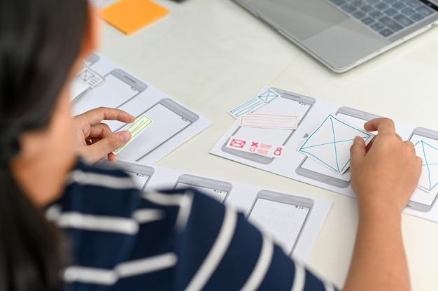 プロフェッショナルプログラムが次世代スマートフォン向けの画面を設計しています