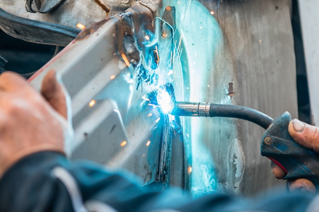 Professional welder and welder mask brew seam