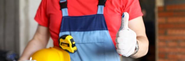 Профессиональный работник на работе перчатки крупным планом