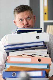 企業監査、会計のための適切なアーカイブ。