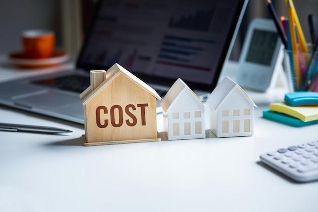 Стоимость недвижимости или бюджет, финансирование увеличения кредита. планирование инвестора. коммерческая недвижимость. прибыль банковского дела.