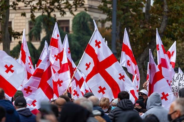 Акция протеста против бидзины иванишжили с требованием справедливых выборов на проспекте руставели в грузии.