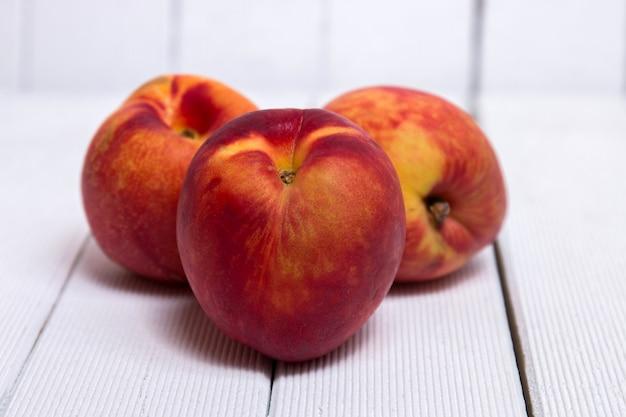 モモ(prunus persica subs nectarina)
