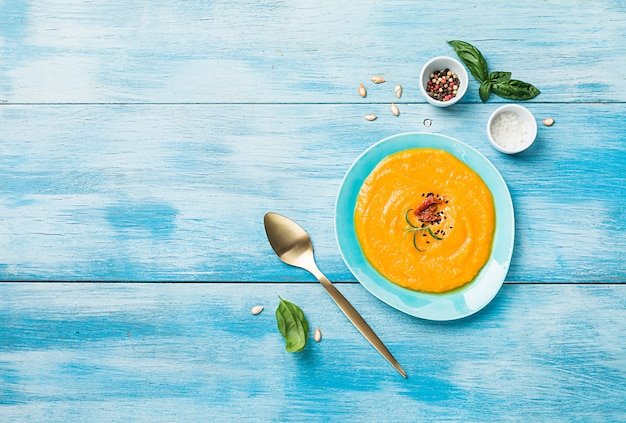 カボチャとニンジンのスープ