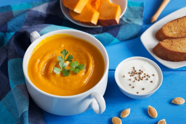 Pumpkin cream soup with seeds