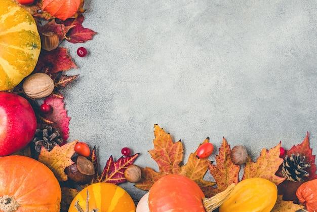 カボチャ、紅葉、花、ベリー、ナッツ