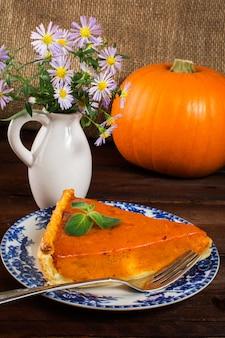 Pumpkin pie and daisy