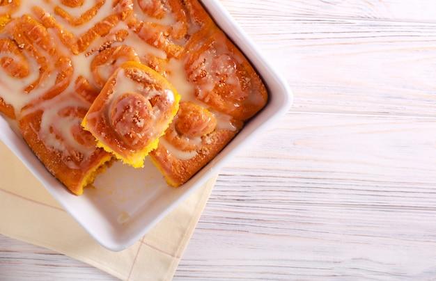 Тыквенные сладкие вихревые булочки