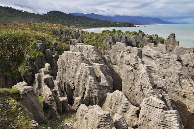 Punakaiki rocks on south island in new zealand