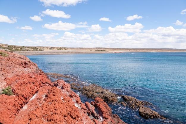 プンタトンボビーチの日ビュー、パタゴニア、アルゼンチン