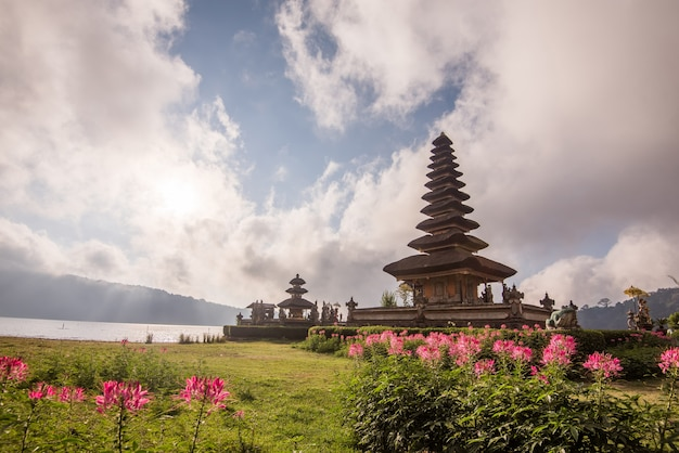 Pura ulun danu bratan morning sunrise