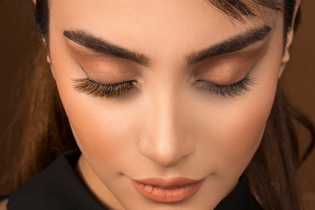 Pure eye makeup with brown eyeshadow