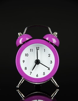 紫の目覚まし時計