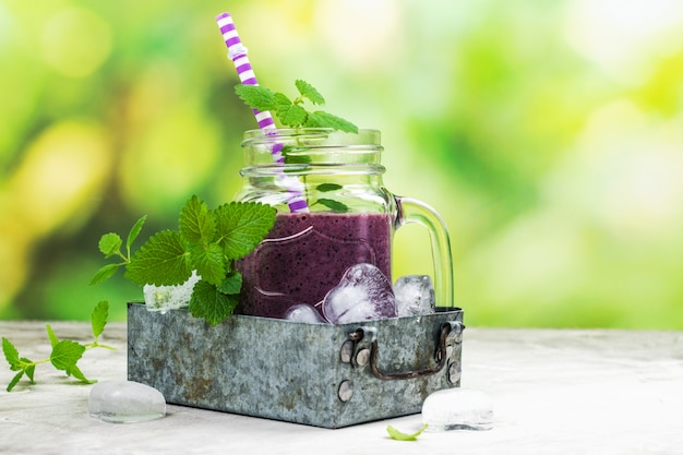 Purple berry smoothie, raw food diet