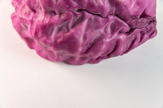 テーブルの上の紫キャベツ