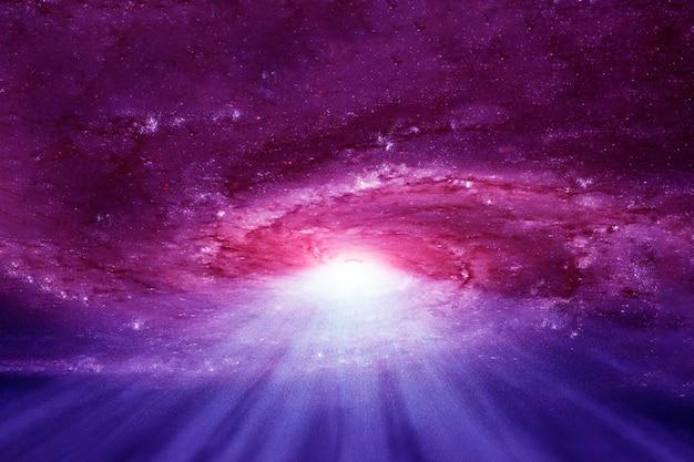 深宇宙の紫色の銀河。この画像の要素はnasaから提供されました。あらゆる目的のために。