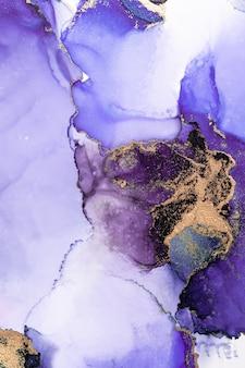 Фиолетовый золотой абстрактный фон мраморной жидкой туши художественной росписи на бумаге.