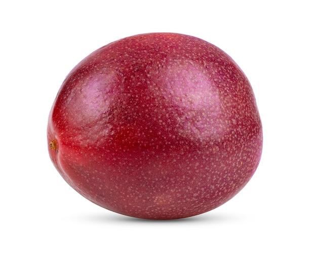 白い背景で隔離の紫色のパッションフルーツ